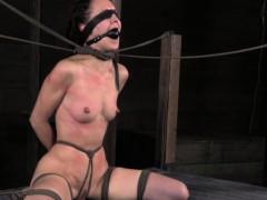 Анальный секс с двумя толстушками видео brazzers