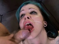 Порно видео жестокое обтирание кисок лесби