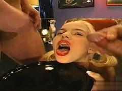 Видео русское порно с кончиной в рот