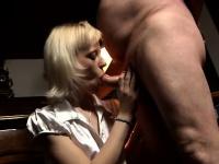 Красивый и нежный секс с зрелыми женщинами