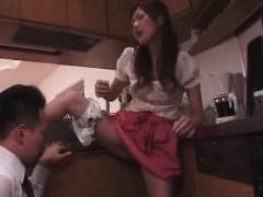 Парень мастурбирует на девушек по веб камере