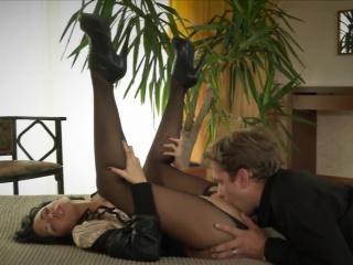 Муж лижет жене письку смотреть онлайн порно