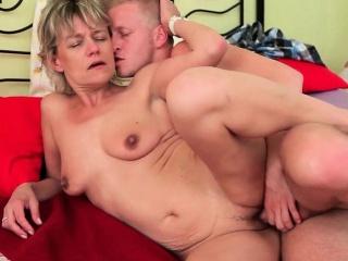 Секс целка анал смотреть порно