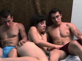 Групповое порно в чулках бесплатно смотреть