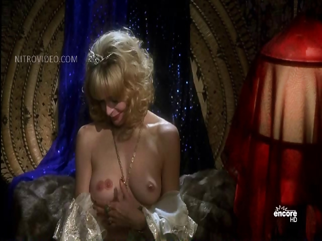 Porno Video of Priscilla Barnes - Mallrats