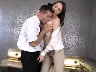 Жена дрочит мужу частное порно видео