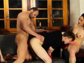 Частное порно фото бисексуалов