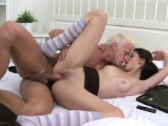 Смотреть порно ролики верхом на члене hd