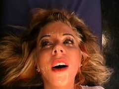 Муж наблюдает как его жену имеют в его присутствии порно