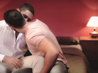 Muscular gay hunks shooting their loads