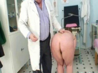 Porno Video of Mature Woman Examined At The Doctors