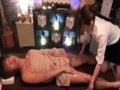 Видео жена трахается другом