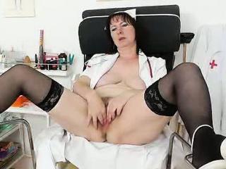 Ебля с худенькой красоткой брюнеткой смотреть порно