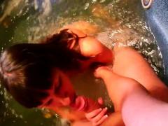 Видео порно скрытая камера на пляже море
