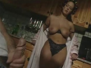 Porno Video of Still Sexy In Her Curlers !