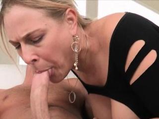 Порно вчительок посли 45год