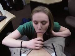 Порно ебут телку пьяную