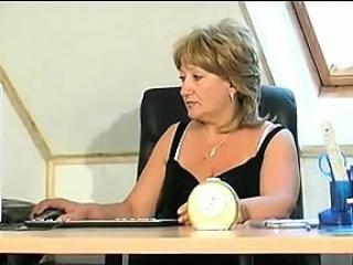 Смотреть порно видео раб унитаз госпожи