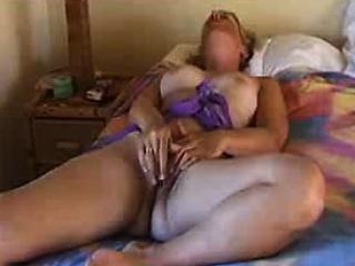 Порно в жену кончают толпой
