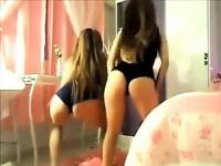 Бразильский 18-летний близнецы девушки танцуют
