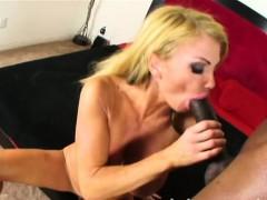 Завораживающий стрептиз порно