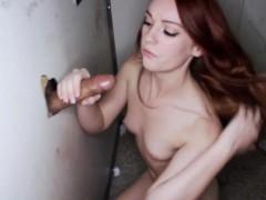 Порно ролик глубокий минет с рвотой