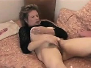 Huge dick makes wife scream