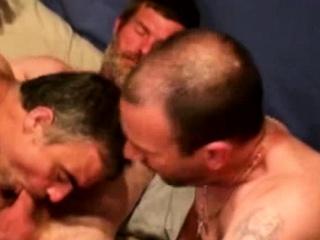 Hairy bluecollar bears suck cock
