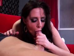 Соблазнила любовника мамы своей пухленькой попочкой порно