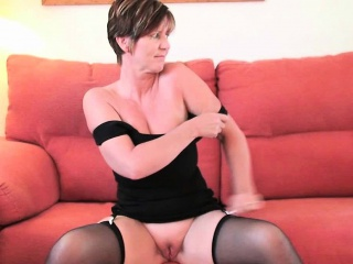 British finest milf joy exposes her natural beauty...