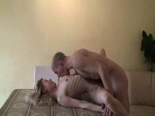 Жена в шоке от предложенного свингеры порно смотреть порно