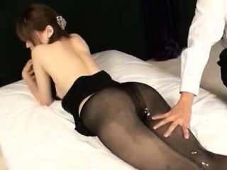 Порно японский дед домогается до внучки