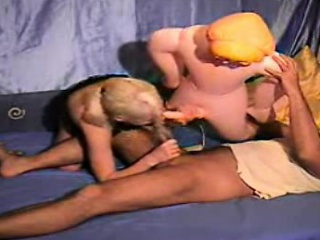 Смотреть онлайн порно с надувной секскуклой