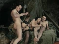 Порно девственницы первый опыт