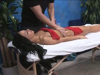 Порно массаж в стеклянной клетке