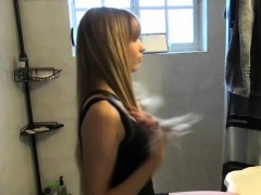 Девушка в первый раз пробует в попу домашнее видео