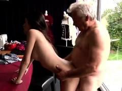 Спортивные попки секс видео в лосинах