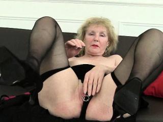 Домашняя русская с окончанием в рот смотреть порно