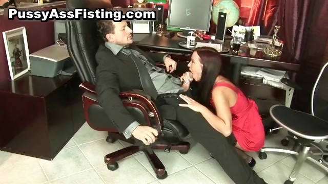 Porno Video of Horny Slut Gets Her Gaping Asshole Part2