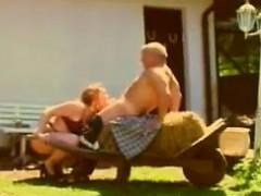 Порно как сын ебет маму видео