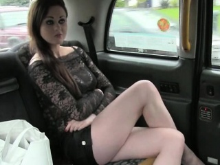 Секс видео нигер трахает молодую девушку