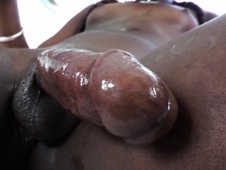 Shemale ebony amateur cumming after jerking