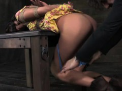 Порно молдые с большими сисками