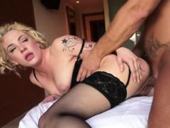 массаж сиськатой японке видео