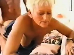Порнофото 40 в мини юбке