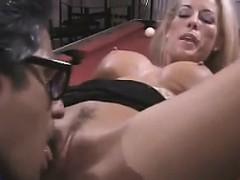 Нереально красивая голая телка видео