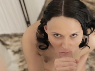 Голые сиськи для народа с молодыми смотреть порно