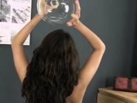 Сосущие молочные груди порно