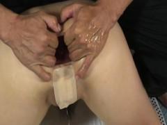 Прихована камера в салоні еротичного масажу