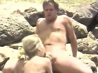 Порно муж лижет сперму